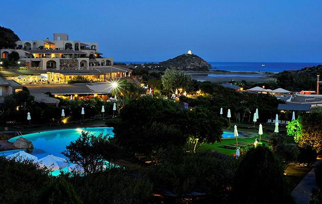 hotel-chia-laguna-resort1