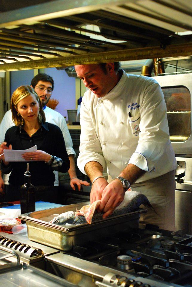 I corsi di cucina 2014 di luigi pomata prenota subitothe - Elenco utensili cucina ...
