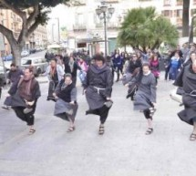 <!--:it-->IL VIDEO DEL FLASH MOB DI FRATI E SUORE IN PIAZZA YENNE – CAGLIARI – DOMENICA 7 APRILE<!--:--><!--:en-->FLASH MOB VIDEO FRIARS AND NUNS IN YENNE SQUARE – CAGLIARI -SUNDAY AVRIL 7<!--:-->