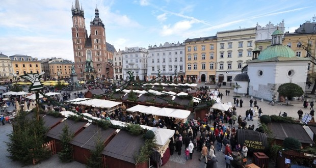 Jarmark-Bożonarodzeniowy-Krakow.-620x330