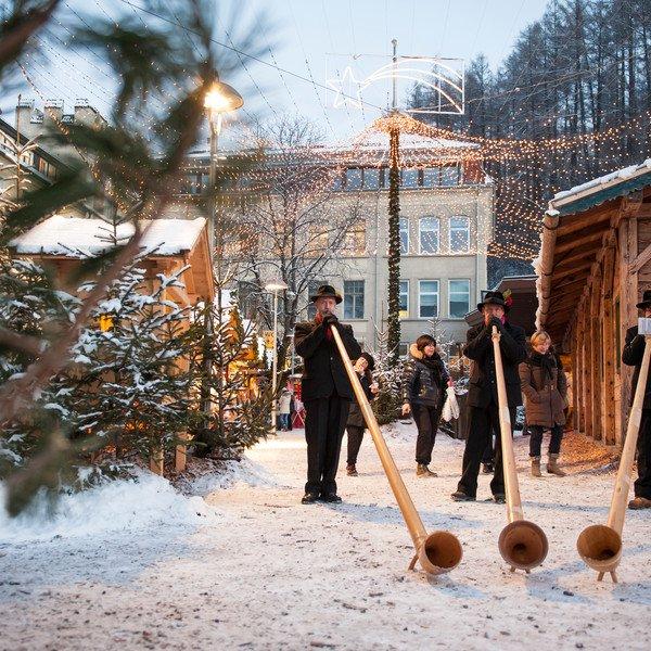 christkindlmarkt-alphornblaeser