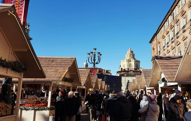 mercatino-natale-piazza-castello-2018