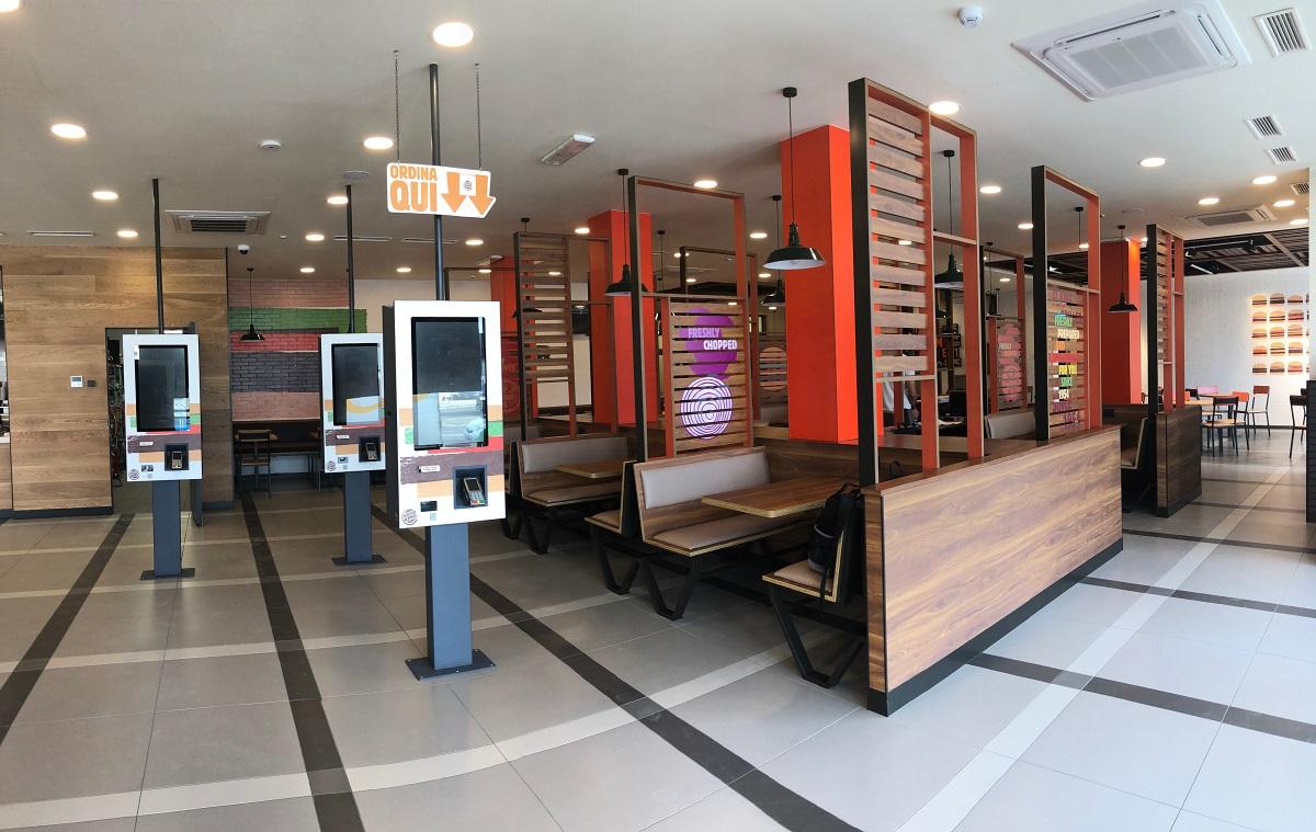 burger-king-cagliari-tavoli
